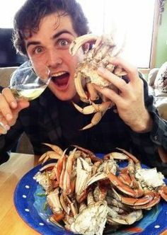 Find images and videos about cute, funny and beau mirchoff on We Heart It - the app to get lost in what you love. Beau Mirchoff, Cute Guys, Fangirl, Eye Candy, Celebrities, Hot, Crabs, Pocket, Fan Girl