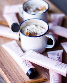 Relaxe, envolva-se numa hidratação profunda com o Creme de Noite Extra Emoliente Mary Kay® e acompanhe com uma chávena de Chocolate Quente. Hummm já está a imaginar?