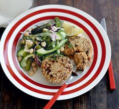 Tuna and sweet potato fishcakes Sweet Potato Recipes Healthy, Healthy Recipes, Healthy Dinner For One, Sweet Potato Patties, Fishcakes, Healthy Salads, Healthy Food, Fish And Seafood, Seafood Recipes
