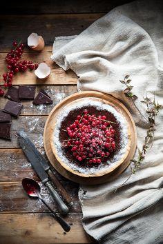 Tart alla ricotta, cocco, ribes e cioccolato
