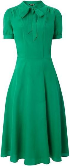 Biba Green Tie Neck Tea Dress Fashion Trendy 2019 - World Trends - Vestidos Vintage, Vintage Dresses, Vintage Outfits, Vintage Fashion, Modest Dresses, Pretty Dresses, Jw Mode, Mode Style, Modest Fashion