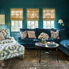 The interior design work of Birmingham, Alabama designer Caroline Gidiere. Formal Living Rooms, Living Room Sofa, Living Room Decor, Living Spaces, Teal Rooms, Teal Sofa, Design Salon, Interior Design Work, Exterior Design