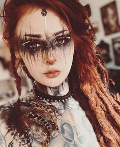 Oh my god, isn´t she stunning? I love the makeup from Perfect for LARP and Cosplay ideas. ⁣ ⁣ Oh my god, isn´t she stunning? I love the makeup from Perfect for LARP and Cosplay ideas. Witch Makeup, Fx Makeup, Makeup Inspo, Makeup Inspiration, Hair Makeup, Makeup Ideas, Zombie Makeup, Makeup Geek, Voodoo Makeup
