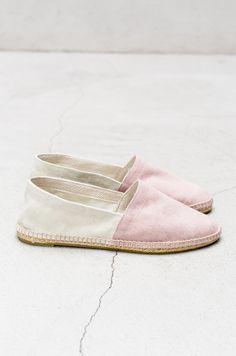 pack the shoes Sock Shoes, Cute Shoes, Me Too Shoes, Shoe Boots, Shoes Sandals, Shoe Bag, Espadrilles, Flipflops, Loafers