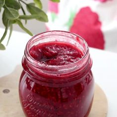 Recipe with video instructions: Fresh homemade jam in under an hour. Chutney, Homemade Raspberry Jam, Apple Butter, Cookbook Recipes, Yummy Treats, Good Food, Fun Food, Food And Drink, Favorite Recipes