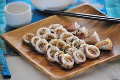 Calamares, cebolla confitada y un arroz japonés  http://www.thespanishfood.es/2012/04/calamares-cebolla-confitada-y-un-arroz.html