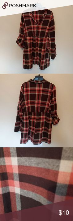 Brown plaid dress Brown plaid dress with roll-up sleeves and pockets. Great with tights and boots! Good condition. Massini Dresses Long Sleeve