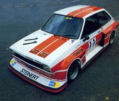 Group IMSA and What would be a Euro Bosozoku car. Ford Rs, Car Ford, Custom Muscle Cars, Custom Cars, Retro Cars, Vintage Cars, Ford Motorsport, Classic Race Cars, Ford Escort