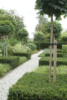 Modern Country Style: Contemporary Country Garden Tour Click through for details.