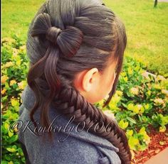 Fishtail braid with a bow. Impressive! #braids #hairbow