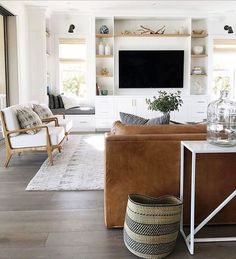 Minimalist Living Room Design Ideas For A Stunning Modern Home. Find and save ideas about Minimalist living rooms in this article. Coastal Living Rooms, My Living Room, Home And Living, Modern Living, Simple Living, Modern Tv, Living Room Ideas No Tv, Luxury Living, Living Room Ideas Leather Couch