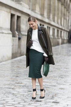 A beautiful fall combination of a pencil skirt and cool jacket. I might be repeating myself...