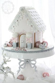 Raindrops and Roses Pink Christmas Decorations, Christmas Sweets, Noel Christmas, Christmas Goodies, Christmas Baking, Christmas Crafts, Gingerbread House Designs, Christmas Gingerbread House, Gingerbread Houses