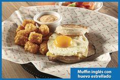 desayuno wings feb 15 Muffin inglés con huevo estrellado  Roastbeff, queso manchego y mayonesa chipotle.