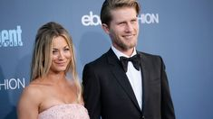 "'Big Bang' star Kaley Couco undergoes shoulder surgery days after marrying Karl Cook It looks like ""Big bang Theory"" star Kaley Cuoco's. Second Wedding Anniversary, Anniversary Photos, Kaley Cuoco Sister, Big Bang Theory Actress, Kelsey Merritt, Kaley Couco, Shoulder Surgery, First Year Of Marriage, Baby Seal"