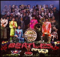 Behind the Scenes Photos of The Beatles During Their Photo Shoot for Sgt. Pepper's Album Cover in 1967 Lps, Sgt Pepper Album Cover, Beatles Sgt Pepper, Lonely Heart, Music Albums, Scene Photo, The Beatles, Album Covers, Behind The Scenes