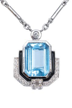 An Art Deco aquamarine diamond pendant with necklace  18 ct. white gold