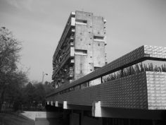 Image 3 of 22 from gallery of 10 Iconic Brutalist Buildings in Latin America. Brutalist Buildings, America Images, Social Housing, Modern Masters, Latin America, America 2, Urban Planning, Condominium, Willis Tower