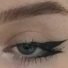 Dope Makeup, Indie Makeup, Edgy Makeup, Grunge Makeup, Eye Makeup Art, No Eyeliner Makeup, Makeup Inspo, Makeup Inspiration, Eyeliner Ideas
