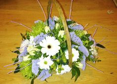 Mothers Day flower gift basket from Cottons and Blossoms -  cottonsandblossoms.weebly.com