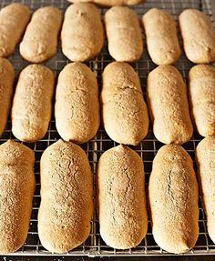Cómo hacer bizcochos de soletilla con Thermomix « Trucos de cocina Thermomix Churros, Mexican Sweet Breads, Mexican Desserts, Thermomix Desserts, Spanish Cuisine, Pan Dulce, Recipe For 4, Pain, Hot Dog Buns