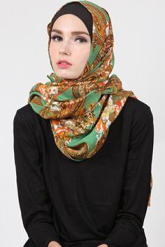 Fariza Floral Pashmina  Harga Khusus Hanya: Rp. 59.000 Warna: Green Bahan: Cotton Panjang: 175cmx75cm