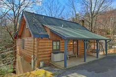 Caliente Cabin is lovely 2 bedroom cabin is great as a romantic getaway as well with its wood burning fireplace and hot tub, perfect ways to stay warm on those cool chilled nights in the Tennessee Smoky Mountains.
