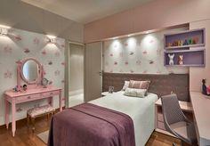 Quarto de menina rosa e lilás com penteadeira. Arquiteta Gislene Lopes.