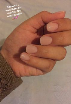 On average, the finger nails grow from 3 to millimeters per month. If it is difficult to change their growth rate, however, it is possible to cheat on their appearance and length through false nails. Cute Acrylic Nails, Cute Nails, Pretty Nails, Wedding Nail Polish, Wedding Nails, Natural Gel Nails, Dipped Nails, Neutral Nails, Nagel Gel