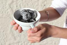 THE BEST PEPPERMINT-CHOCOLATE FUDGE BALLS – Eleanor Ozich