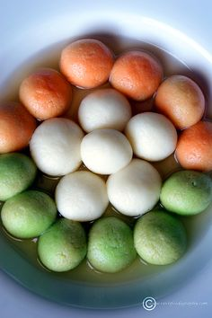 Paneer is an Indian Cottage cheese. Learn how to make paneer easily at home and then convert it into the mouthwatering Bengali Sweet, Rasgulla. Indian Desserts, Indian Sweets, Indian Food Recipes, Indian Foods, How To Make Paneer, How To Make Homemade, Independent Day, Orange Food Coloring, Creative Food Art