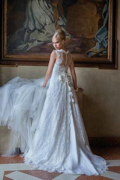 Model: Loraine - Collezione Glamour di Gloria Saccucci Spose