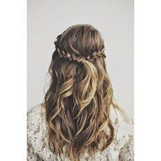 Los mejores peinados para el regreso a clases Media cola de trenzas en... ❤ liked on Polyvore featuring accessories