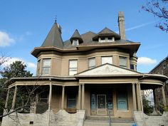 William Hassinger Mansion, c.1898, Birmingham, Alabama by Cougar_6, via Flickr - my dream home; abandoned now, but has so much potential!