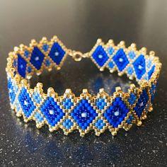 Modèle plus large inspiré du précédent avec toujours et encore des perles miyuki et des apprets en ou gold filled 14k de chez @perlesandco!  #perlesandco #miyukibeads #miyuki #miyukiaddict #jewelrydesign #jewels #bijoufaitmain # iloveilederé #bracelet #brickstich #bijouxcreateur #ideecadeau #giftideas #giftidea #jenfiledesperlesetjassume