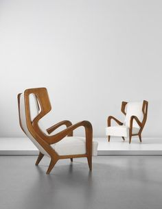 Gio Ponti; Walnut Lounge Chairs for Ariberto Colombo, c1947. #gioponti #sillon