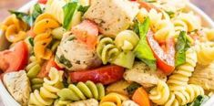 Italian Chicken Pasta Salad - Bursting with fresh flavors from juicy tomatoes, cucumber, basil, parmesan, and tender chicken tossed in a tangy lemon vinaigrette! Chicken Pasta Salad Recipes, Italian Chicken Pasta, Easy Pasta Salad, Healthy Salad Recipes, Healthy Dinner Recipes, Healthy Snacks, Salad Chicken, Grilled Chicken, Meat Recipes