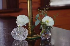 Ranunculus and chic vase and candleware Petal Floral, Ranunculus, Glass Vase, Floral Design, Chic, Wedding, Home Decor, Casamento, Homemade Home Decor