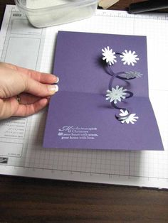 SparkleDaisy.com » Blog Archive » Spiral Pop-up Card from Convention