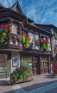 Restaurant Wistub Zum Pfifferhüs in Ribeauville, France • photo: Wolfgang Grilz on Flickr