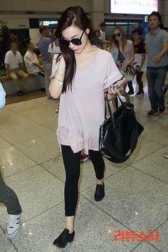 2013/07/SNSD-Tiffany-airport-fashion-July-30