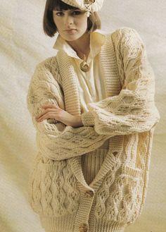Vintage Knitting Pattern Instructions to Make a Ladies Aran Jacket/Cardigan