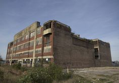 First report! So, I visited Lordline recently, and considering how popular this building is, I am quite surprised that there aren't many reports on th Hull 2017, Derelict Places, Industrial Architecture, More Photos, Hot Rods, Maine, Multi Story Building, Shops, Urban