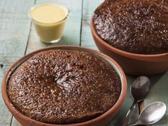 From the YOU kitchen: Malva pudding South African Desserts, South African Recipes, Food Truck Desserts, Kos, Malva Pudding, Winter Desserts, Everyday Food, Desert Recipes, No Bake Cake