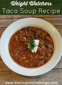 It's chilly outside, so cook up a nice hot comfort meal tonight.  This Weight Watchers taco soup recipe will have you wishing for seconds.  It's full of flavor but won't bust your daily WW point allowance.  Weight Watchers points = 5 SmartPoints and  4 PointsPlus per serving.