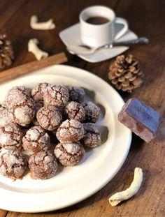 Le castagnole di Ventimiglia sono un dolce popolare nato nell'ottocento Beignets, Biscuits, Dolce, Cereal, Breakfast, Food, Design, Art, Crack Crackers