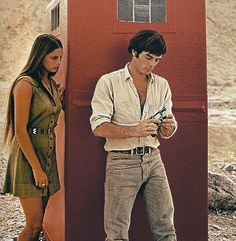 Mark Frechette in Zabriskie Point (1970). Amazing how something as simple as a chambray shirt and jeans can look this cool. Love the light blue hues.