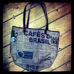 The Brazil bag..... coming soon to the CB Sacks website! #coffee #coffeebeansacks #burlap #coffeesacks #ecofashion