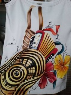 Camiseta de tirita pintada a mano por Matty Juliao Crazy Life, Tadashi, Diy And Crafts, Christmas Ornaments, Holiday Decor, Drawings, Projects, Painting, Color