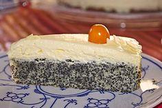 Illes super schneller Mohnkuchen ohne Boden mit Paradiescreme und Haselnusskrokant 4